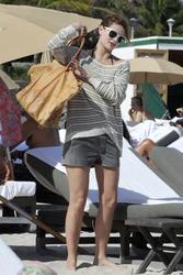 http://img282.imagevenue.com/loc248/th_312616917_Mischa_Barton_Bikini_Candids_on_the_Beach_in_Miami_December_27_2011_216_122_248lo.jpg