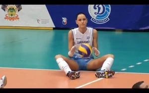 http://img282.imagevenue.com/loc49/th_870291826_NataliaObmochaevaGoncharova7_122_49lo.jpg