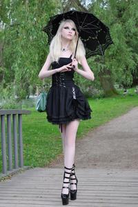 Maria Amanda - Gothic Doll [Zip]o5lr1nd1ru.jpg