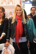 http://img282.imagevenue.com/loc584/th_793041809_Luisana_Lopilato_present_her_first_book3_122_584lo.JPG